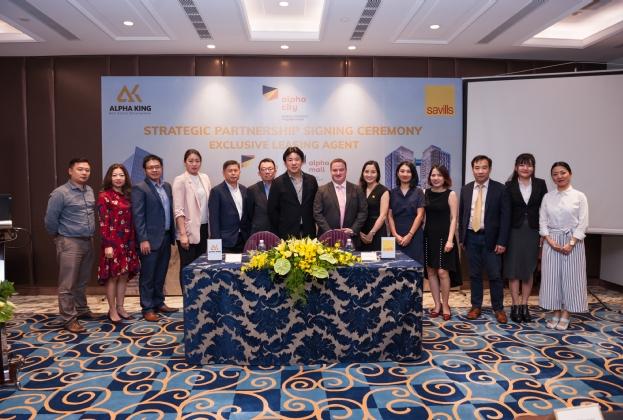 Lễ ký kết đối tác chiến lược giữa Tập đoàn phát triển bất động sản Alpha King và Savills Việt Nam