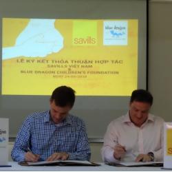 """Savills Việt Nam tài trợ chương trình học bổng """"Hướng đến thành công"""" dành cho các em sinh viên tại Blue Dragon Children's Foundation"""
