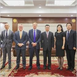 上海市徐汇区区长接见和记娱乐全球CEO一行,共话城市更新蓝图