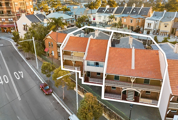 Millers Point's last unit blocks fall under the hammer