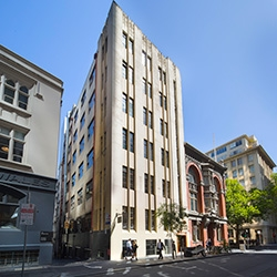Vertical Retail Driving Hike in Flinders Lane Rents