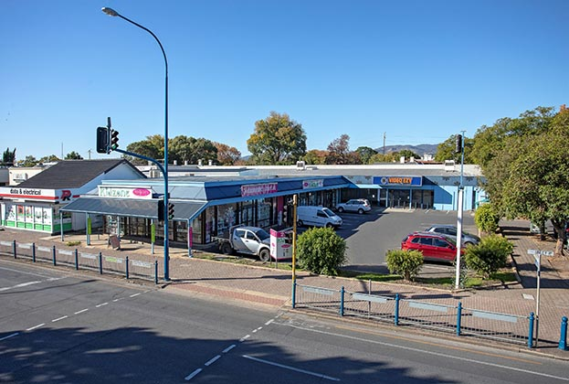 Prime Malvern retail building for sale by public auction